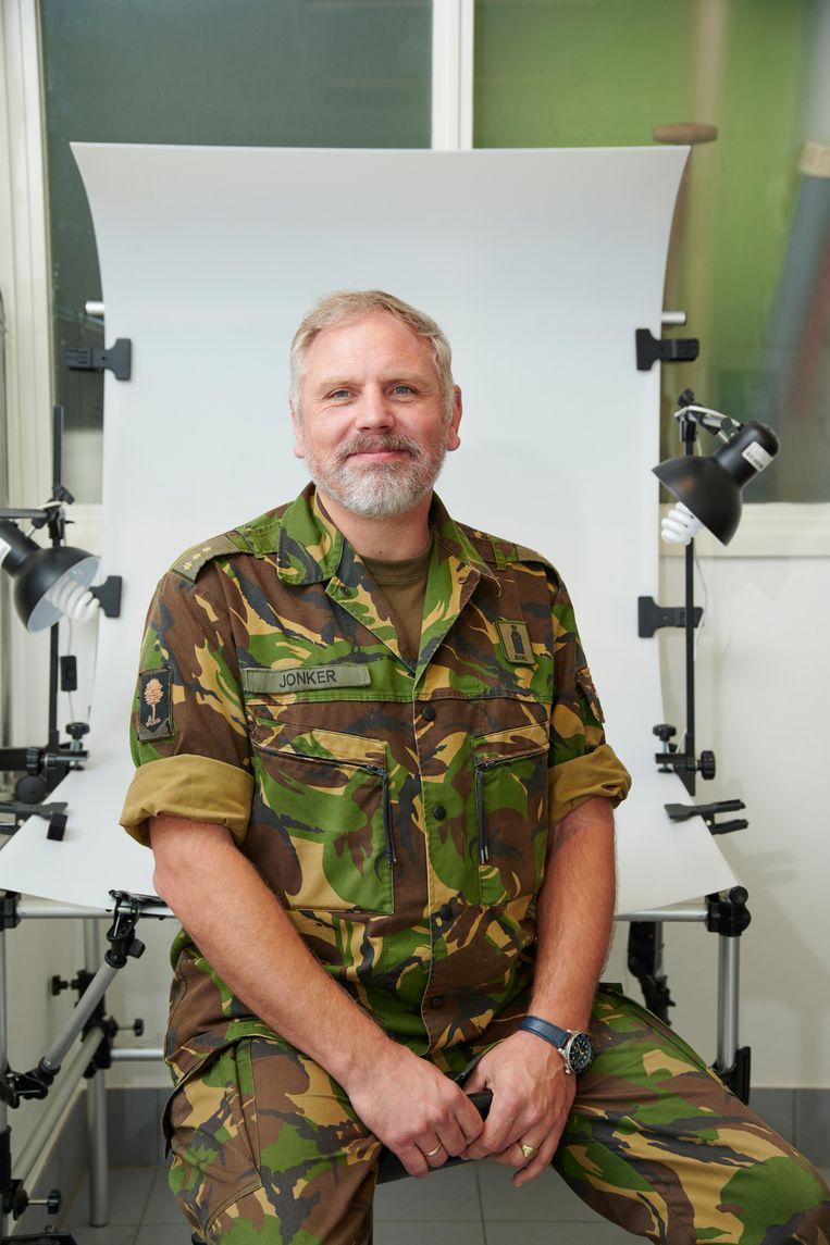 Geert Jonker: 'Wij zien ons werk als een missie, we doen het voor de nabestaanden.' Beeld Niels Stomps