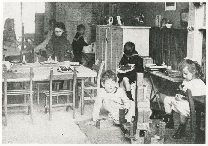 Het eerste Montessoriklasje in Den Haag.