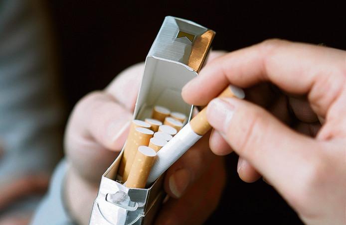 Begin 2018 kun je zien hoe giftig een sigaret werkelijk is © ANP
