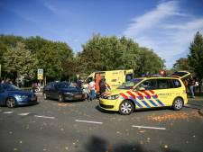 Politie hekelt omstanders die afzetlint negeren na ongeval in Oosterhout: 'Nieuwsgierigheid belangrijker dan hulp verlenen'