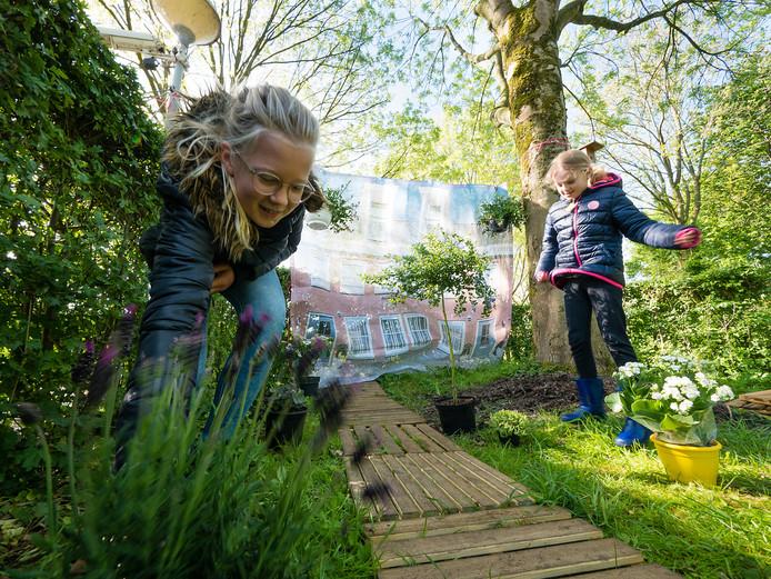 Natuurvereniging IVN in Alphen start in september met een jeugdgroep voor kinderen vanaf 12 jaar.