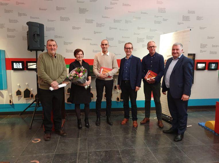 De laureaten van de VVAK-prijs.