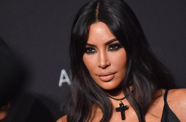 """Kim Kardashian verweert zich tegen de seksverhalen van haar ex Ray J. """"Hij is een pathologische leugenaar"""", schrijft ze op Twitter."""