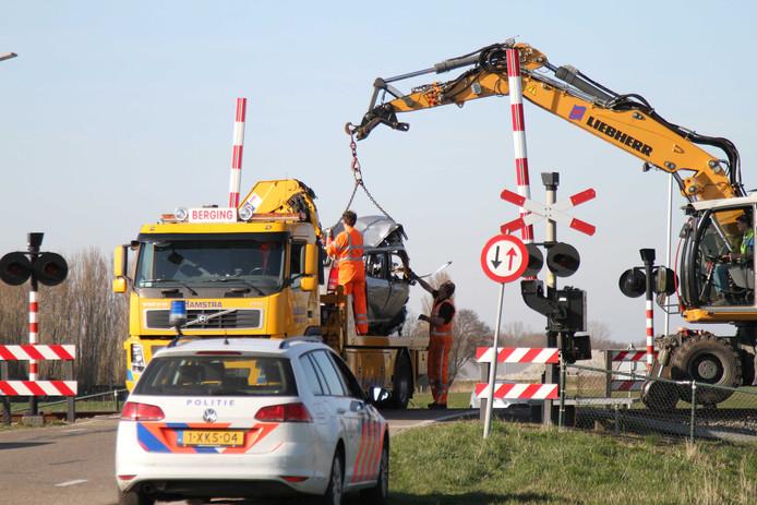 Twee doden bij ongeluk spoorwegovergang Harlingen.
