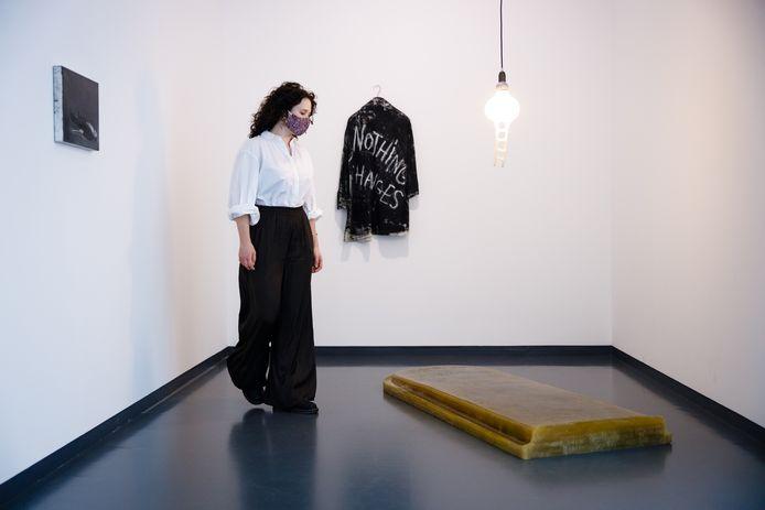 Deel van de tentoonstelling 'New Melancholy' in het Van Abbemuseum.