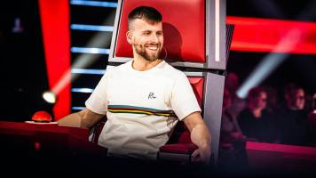 Tourist LeMC en Niels Destadsbader strijden in The Voice