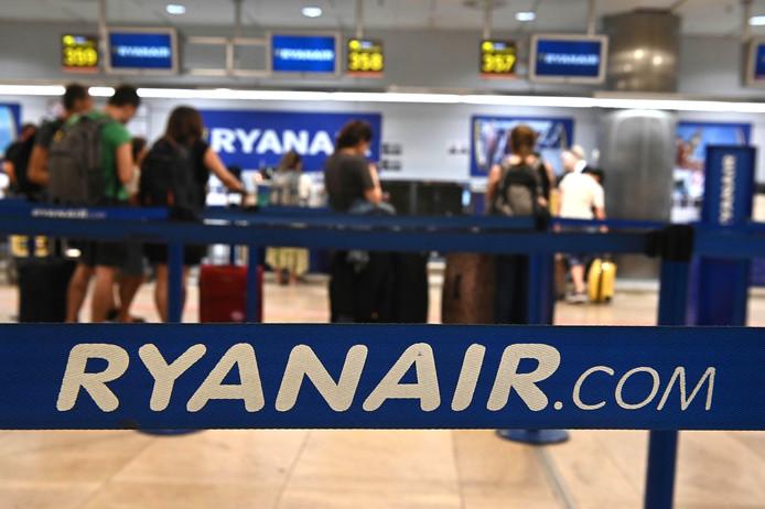 Ryanair check-in in Madrid.