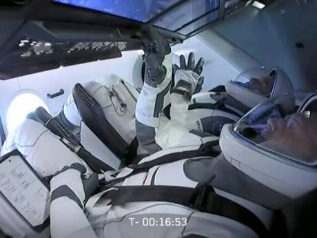 Le lancement du premier vol habité de SpaceX reporté