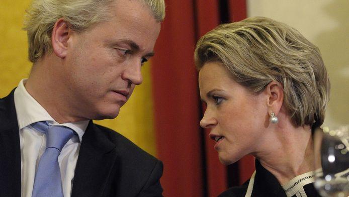 Laurence Stassen in een onderonsje met Geert Wilders.