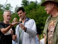 """Djokovic rend visite à un gourou qui affirme que """"ses"""" pyramides ont un effet curatif sur le Covid-19"""