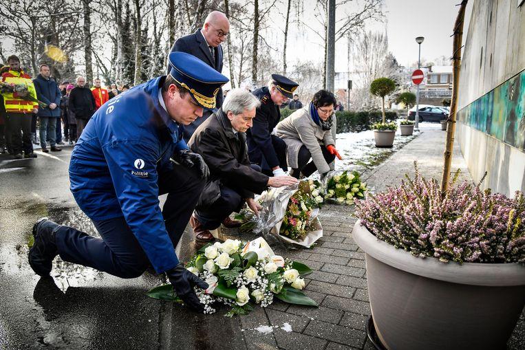 Aan het herdenkingsmonument op de vroegere kindercampus Fabeltjesland werden bloemen neergelegd.