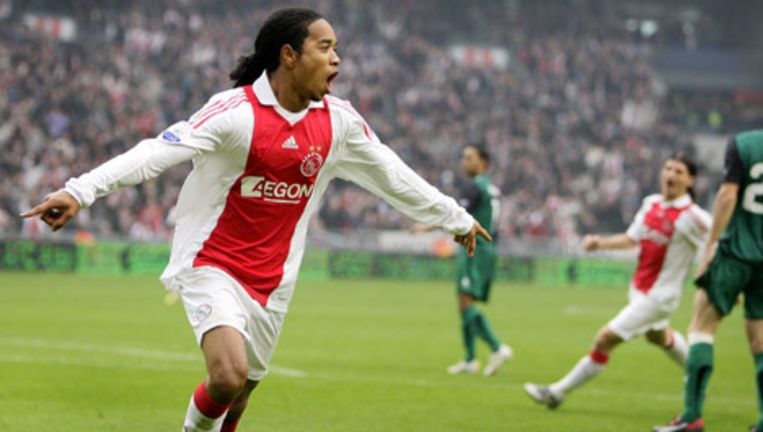 Urby Emanuelson viert de 2-0 tegen Feyenoord. Foto ANP Beeld