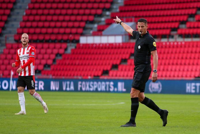 Jeroen Manschot (rechts) eerder deze maand in actie tijdens PSV- Fortuna Sittard.