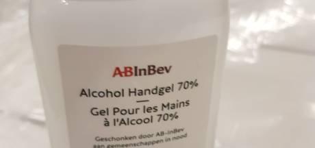 AB InBev levert eerste 5000 flessen handgel gemaakt van restalcohol uit Jupiler 0.0