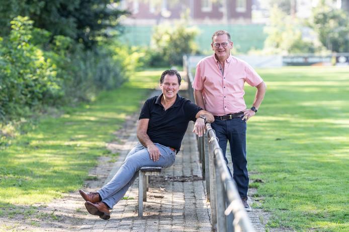 De huidige voorzitter René Roes van 't Peeske (rechts) en zijn opvolger Pascal Verberkt.
