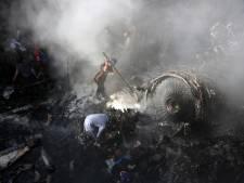 Un avion de ligne s'écrase sur une zone résidentielle au Pakistan: au moins deux survivants