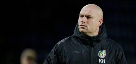 KNVB schorst assistent-coach Hofland voor een duel