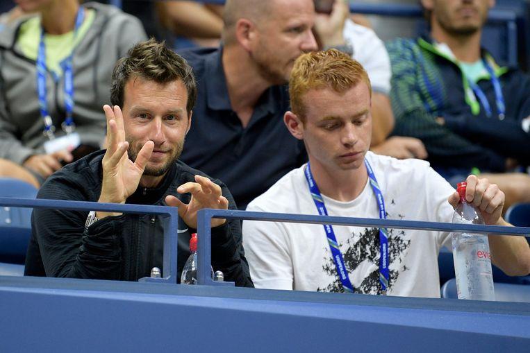 Dieter Kindlmann (l) in de tribunes van de US open tijdens Mertens vs Sloane Stephens.