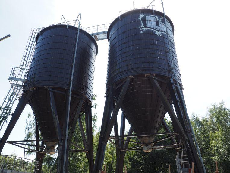 De silo's op het binnengebied van de lus van de R6 in Mechelen.