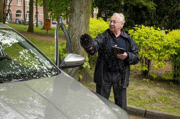 In Scherpenheuvel is het voortdurend aanschuiven voor de autowijding.