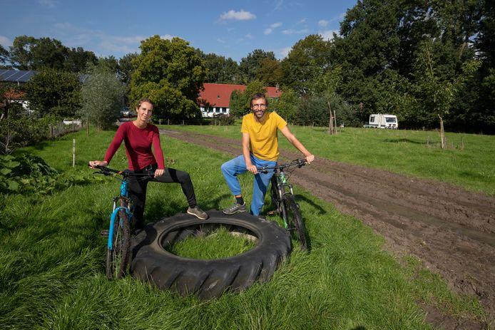Bas van Baaren en Els Haartsen hebben in Bant plannen voor een 'sociale camping'.