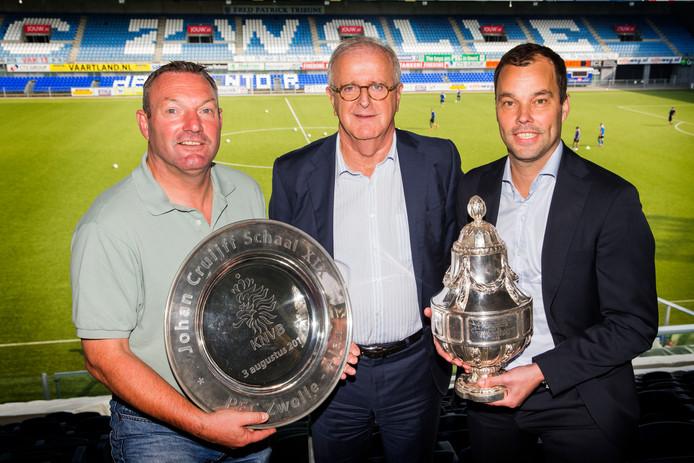 Ron Jans, Adriaan Visser en Gerard Nijkamp in betere tijden, kort na de winst van de beker en de Johan Cruijff Schaal met PEC Zwolle.