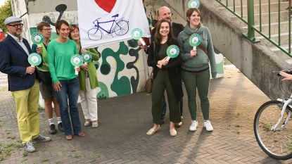 Groen escorteert fietsers naar school