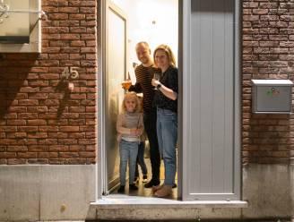"""Assenede klinkt zondag digitaal op een beter 2021: """"Toost aan de computer, in de voordeur, op je oprit of balkon"""""""