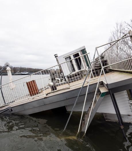 Nijmeegse woonboot zonk tijdens het avondeten: 'We hadden niets in de gaten'