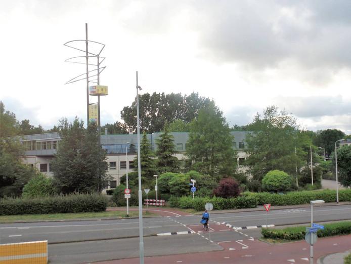 Het voormalige Era Contour-gebouw werd in 1985 gebouwd en staat nu vrijwel leeg.