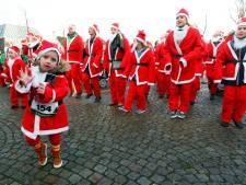Zo'n 1000 kerstmannen lopen door Middelbeers