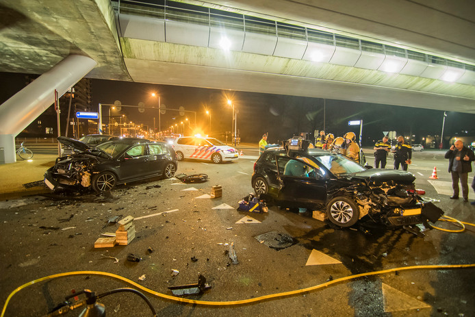 Grote ravage na ongeluk 24 oktoberplein Utrecht.