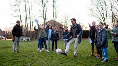 School en buurt huldigen vernieuwd 'sportpleintje' in