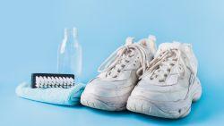 Mogen je vuile sportschoenen in de wasmachine? Zo krijg je ze zo goed als nieuw