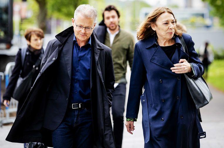 Nico Meijering komt, samen met kantoorgenoten, aan bij de rechtbank. De strafadvocaat moet zich verantwoorden voor de Raad van Discipline. Beeld ANP