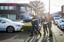 Hulpdiensten bij een postsorteerbedrijf aan de Wiebachstraat. Bij het bedrijf is een poststuk ontploft. ANP MARCEL VAN HOORN