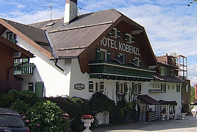 Het luxehotel Kobenzl werd omgevormd tot asielcentrum om de grote toestroom van migranten in Oostenrijk te helpen verwerken.