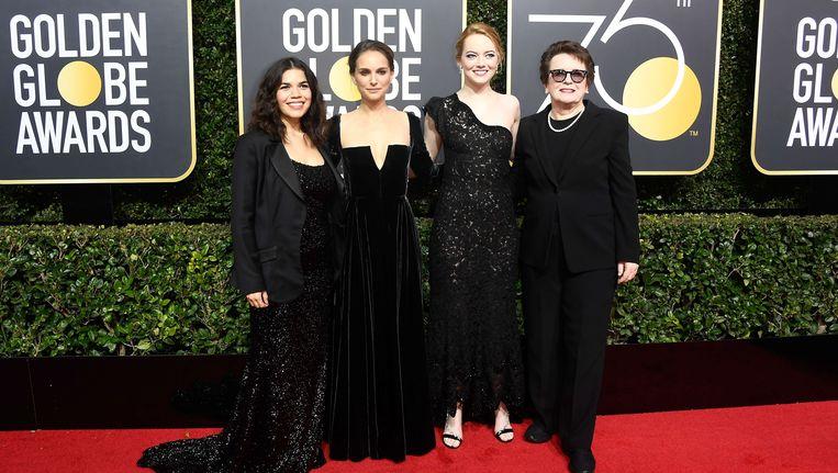 Actrices America Ferrera, Natalie Portman en Emma Stone, met voormalig tenniskampioen Billie Jean King. Beeld afp