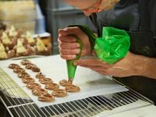 Loeren in het 'atelier' van de chocolatier