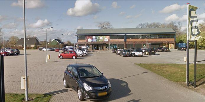 Modezaak ARO is gevestigd aan de Houtweg in Oene.