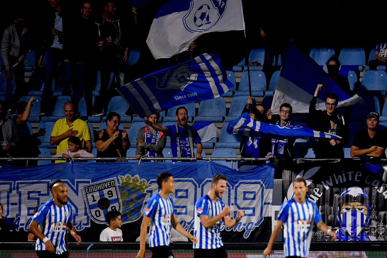 FC Eindhoven won ruim van FC Dordrecht.