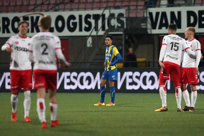 Ragnar Oratmangoen baalt na het verlies bij Helmond Sport.