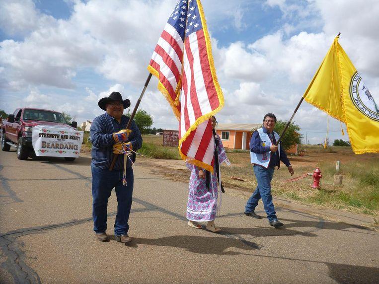 Demonstrerende indianen. Voor het eerst lobbyen leden van vijf stammen samen voor bescherming van hun gebied. Beeld null