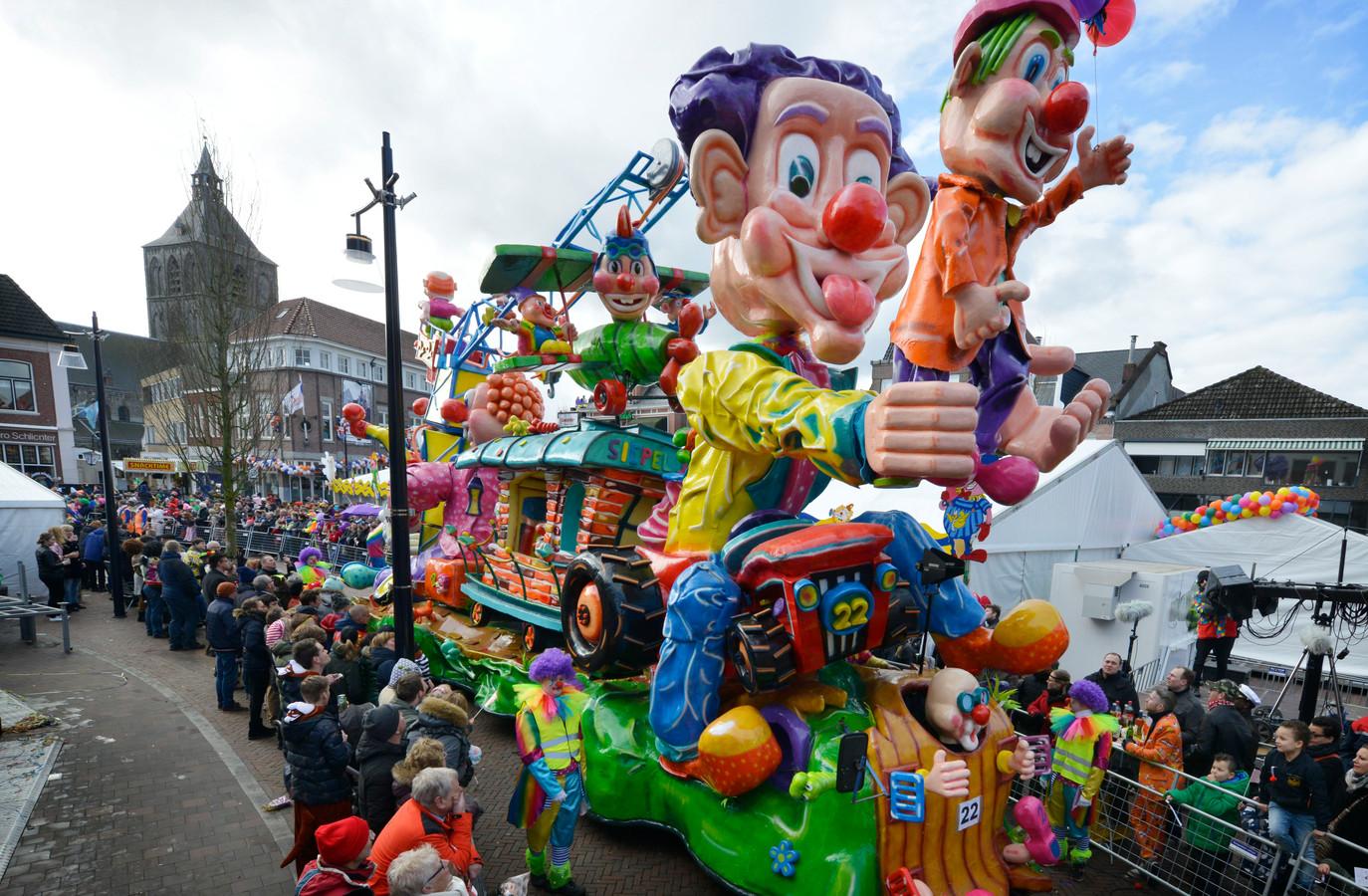 Grote Twentse Carnavalsoptocht in Oldenzaal op zondag 23 februari.