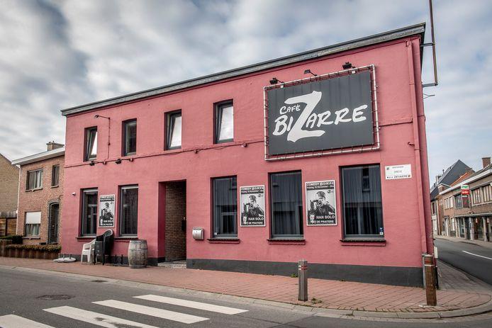 Café Bizarre.