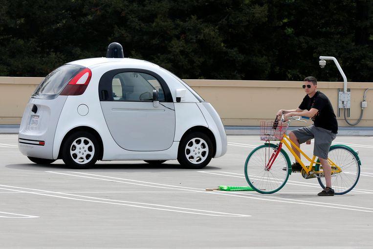 Een zelfrijdende auto van Google in Mountain View, Californië.