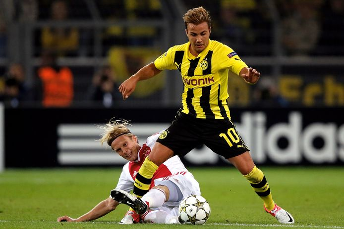 Götze in duel met Ajax in 2012.