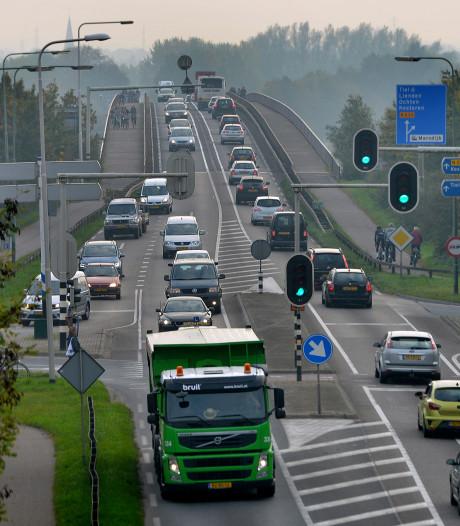 Camera's houden criminelen op de Rijnbrug in de gaten