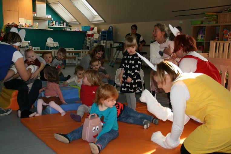 Onlangs bracht het muziekatelier van DVC Heilig Hart een bezoek aan groepsopvang De Speelboom in Vinkt.
