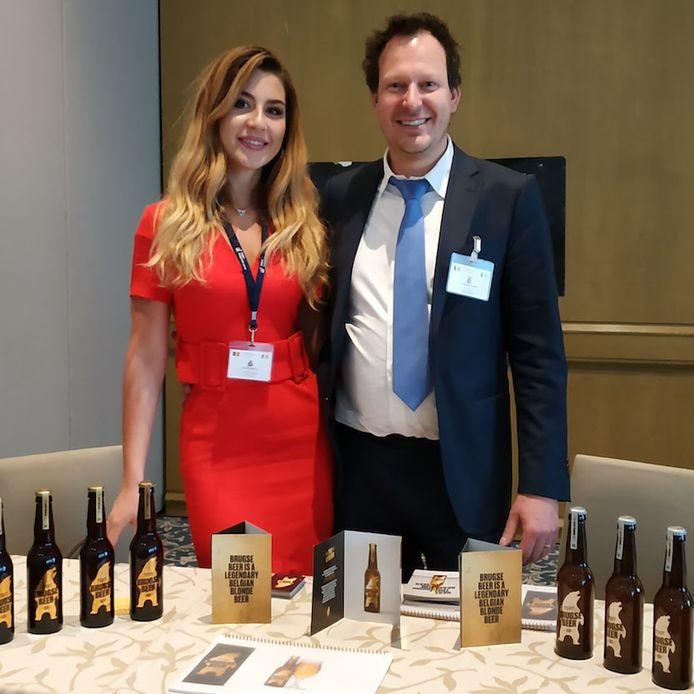 Stephane Kolijn en zijn echtgenote zijn trots op de Brugse Beer.